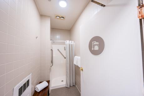 The Urban Hotel - Shower Room 4