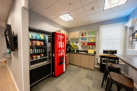 The Urban Hotel - Snack and Drink Machine