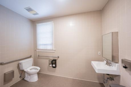 The Urban Hotel - Toilet Room